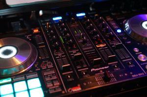 Servicio DJ para Boda Villa Montaña 14